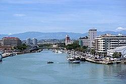 Pescara - foce del fiume vista dal ponte del mare.JPG