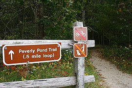 Peverly Pond Trailhead (4150319104).jpg