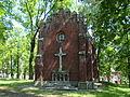 Piekary Śląskie, kaplica Szymon pomaga Chrystusowi nieść Krzyż 01.JPG