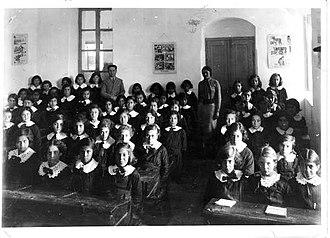Alliance Israélite Universelle - Alliance girls schools  in Jerusalem, 1935