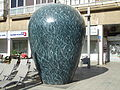 PikiWiki Israel 34917 Vase sculpture by Gideon Gechtman in Tel Aviv.JPG