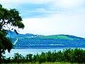 Plain on a hill - panoramio.jpg