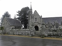 Plouzélambre (22) Église 01.JPG