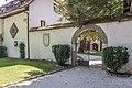 Poertschach Schloss Leonstain Schlosshof-Portal 27082015 7105.jpg