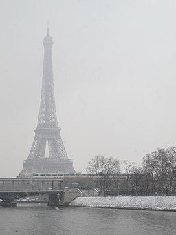 Pont Bir-Hakeim - tour Eiffel - neige
