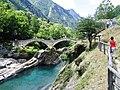 Ponte Romano - Valle Verzasca - Ponte dei Salti - panoramio (1).jpg