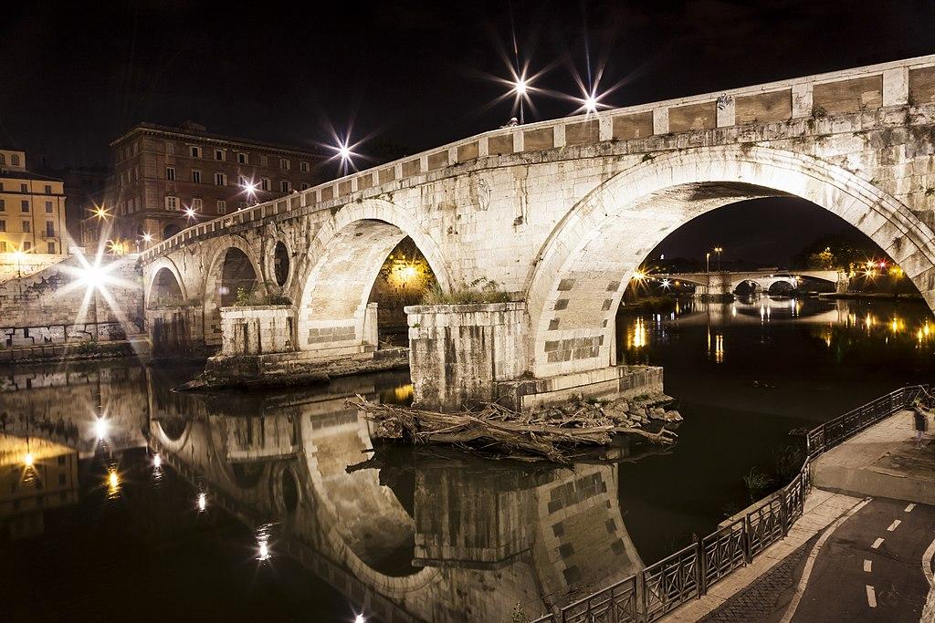 Ponte Sisto entre le centre historique et le quartier du Trastevere à Rome - Photo de FedericaPiccinniPhoto