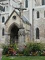 Porche de l'une des façades de l'abbaye de la trinité de Fécamp.jpg
