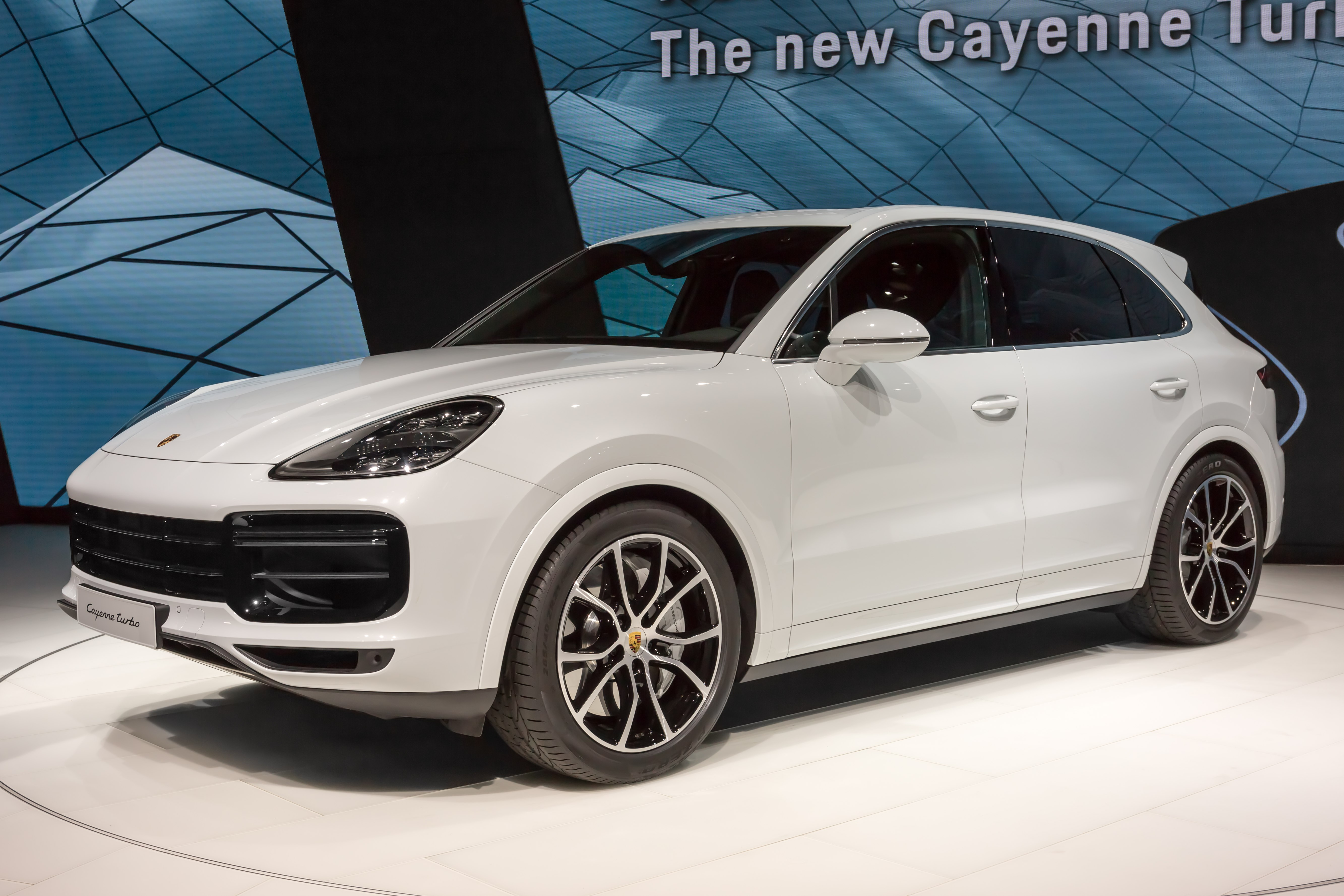 Porsche Cayenne - The complete information and online sale