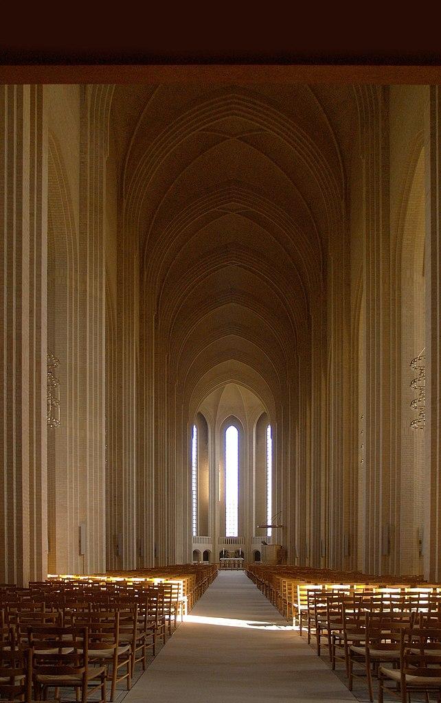 Intérieur de l'église Grundtvig Kirke à Copenhague - Photo de seier+seier