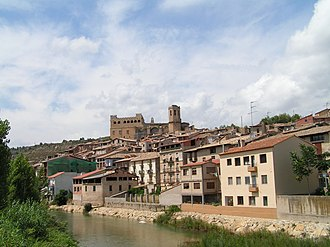 Matarraña - The Matarranya river flowing through the town of Valderrobres (Vall-de-Roures)