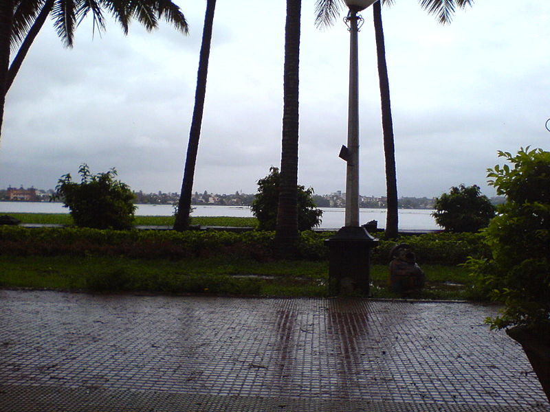 File:Rankala Lake.jpg
