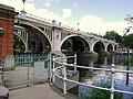 Richmond Lock Weir and Footbridge at St Margarets - panoramio.jpg