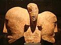 Roquepertuse-Sculpture deux têtes accolées.jpg