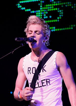 Ross Lynch - Lynch performed in Loud Tour, in 2013.