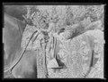 Sadeltäcke av röd sammet med formsydd sits. Broderier utförda i Paris 1650 - Livrustkammaren - 19845.tif