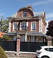 Saint-Léger-lès-Domart, maison sur la place 1.jpg