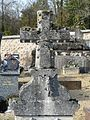 Saint-Séverin-d'Estissac cimetière croix (2).JPG