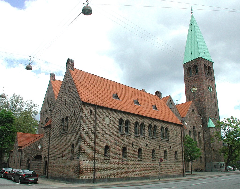 Sankt Andreas Kirke Copenhagen side.jpg