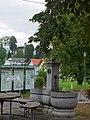 Sankt Georgen im Attergau Brunnen GH Staufer.JPG