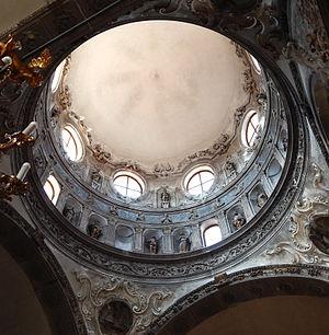 Gasparo Cairano - The cupola of the church of Santa Maria dei Miracoli with its cycle of the Apostles by Gasparo Cairano and some of the Angels of Antonio della Porta (1489)