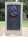 Schloßpark Ballenstedt Denkmal Friederike 02.jpg