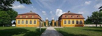 Schloss Seehof BW 8.jpg