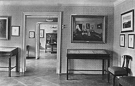 Interior of museum at Schubert's birthplace, Vienna, 1914 Schubert Haus00.jpg