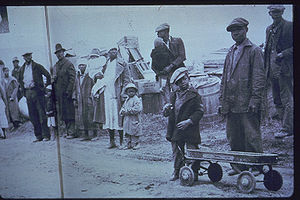 Sharecropping - Sharecroppers on the roadside after eviction (1936).
