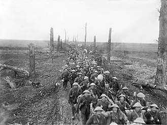 Sherwood Foresters - Men of the Sherwood Foresters following up the Germans near Brie, March 1917.