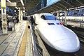 Shinkansen Nozomi in Tokyo.jpg