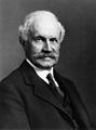 Sir John Graham Kerr. Photograph by T. & R. Annan & Sons Ltd Wellcome M0014823.jpg