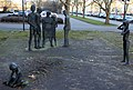 Skulptur Charlottenburger Chaussee 75 (Spand) Skulpturengruppe&Christa Biederbick&1984.jpg