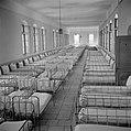 Slaapzaal van een weeshuis, Bestanddeelnr 255-0461.jpg