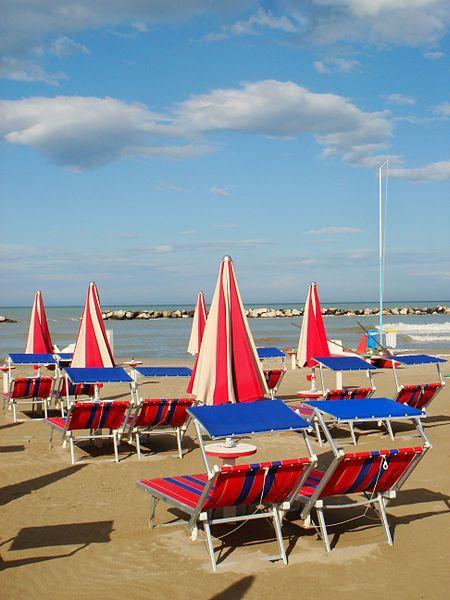 File:Spiagge a Bellaria1 By Stefano Bolognini.JPG