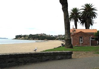 Saint Heliers - View of St Heliers Beach towards Achilles Point