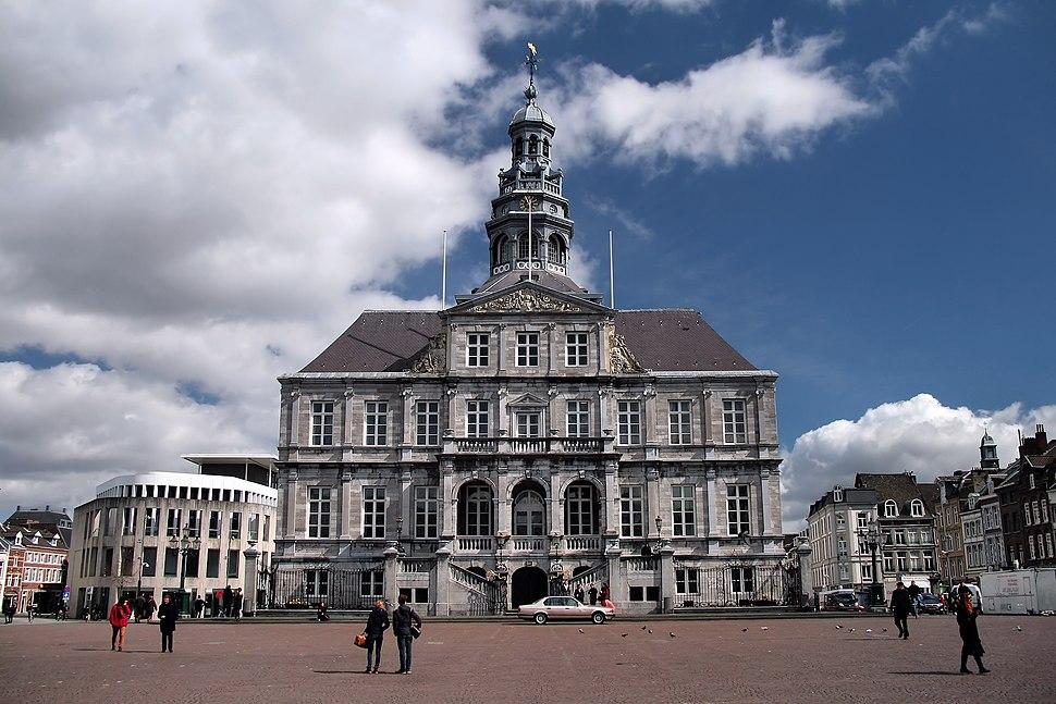 Stadhuis Maastricht - panoramio (1)
