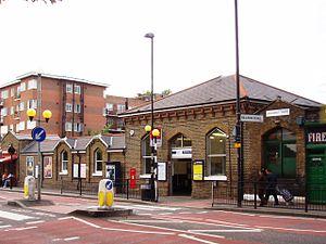 Stamford Hill railway station - Stamford Hill railway station in 2008