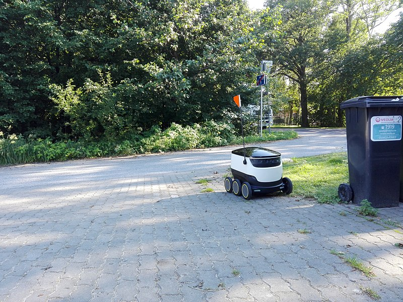 File:Starship Technologies delivery robot.jpg