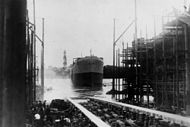 StateLibQld 1 15982 Launching the ship Echuca, 1921.jpg