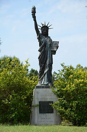 Strengthen the Arm of Liberty Monument (Pine Bluff, Arkansas) - Image: Strengthen the Arm of Liberty Monument Pine Bluff