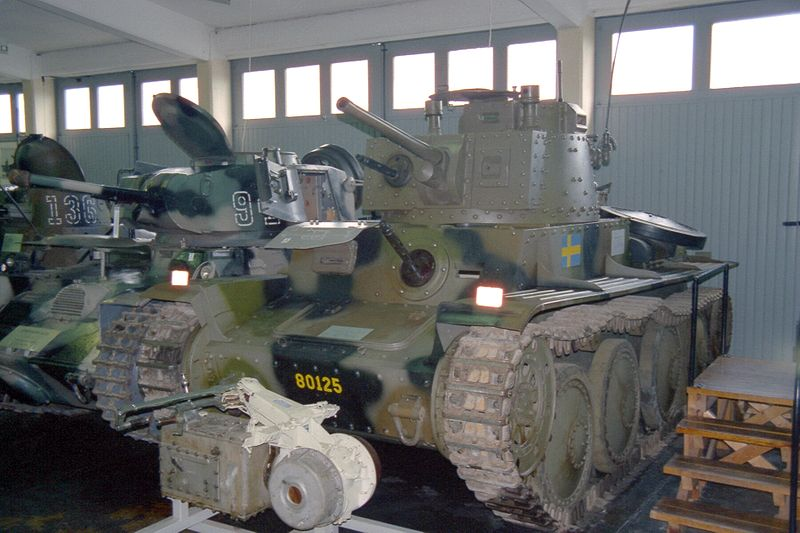 Strv m/41 front view - Credits: Wikipedia