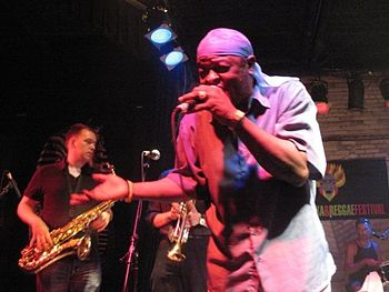 English: Sugar Minott performing at the 2008 W...