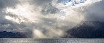 Sun over Lake Hawea, New Zealand.jpg