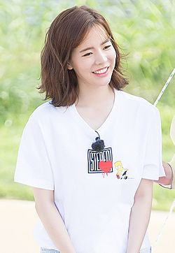 Sunny filming Cheonhajangsa in July 2016 08.jpg