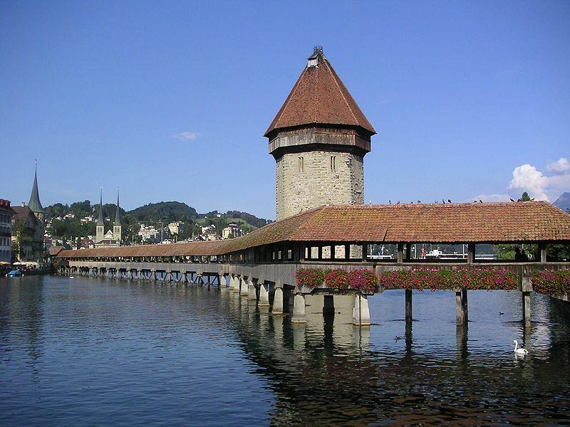 Ficheiro:Switzerland Lucerne.jpg