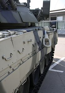 T-80U right side of the tank.jpg