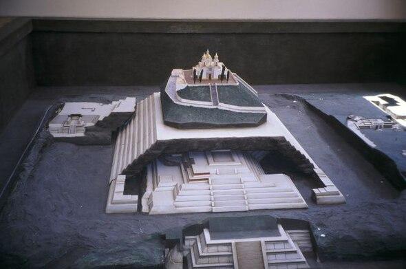 Las Piramides de China - La de Giza es pequeña
