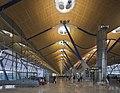 Terminal 4 del aeropuerto de Madrid-Barajas, España, 2013-01-09, DD 09.jpg