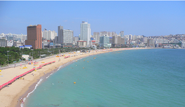 The Haeundae beach in Busan.png